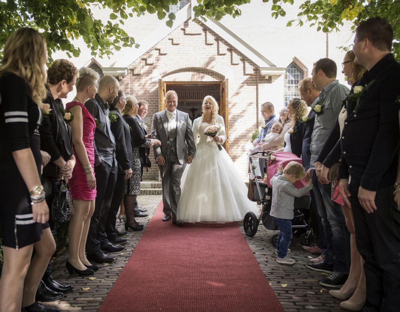 alles-in-weddingland-veenpark-veenkerk-bruidspaar